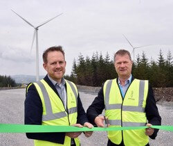 Cathal Hennessy, Managing Director innogy Renewables Ireland, with Hans Bünting, COO Renewables at innogy SE (Image: innogy)