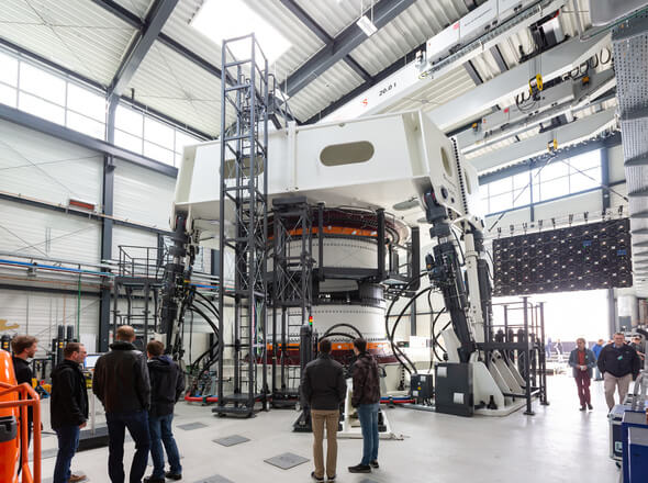 "Inauguration of the ""Large Bearing Laboratory"" of Fraunhofer IWES in Hamburg (Germany) (Image: Fraunhofer/Ulrich Perrey)"