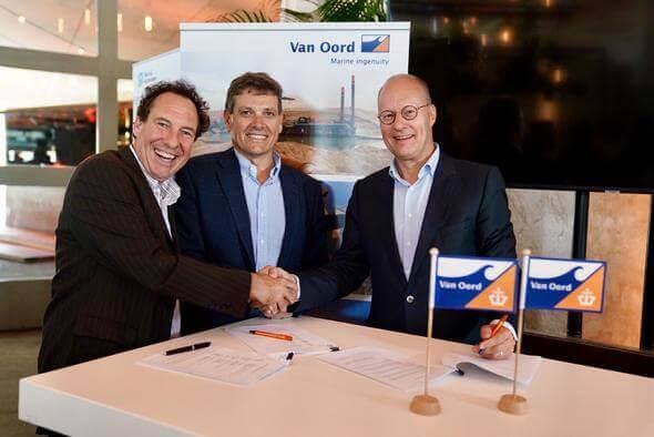 From left to right: Jacques Stoof (Mammoet), Trevor Bourne (Verton) and Paul Verheul (Van Oord) (Image: Van Oord)