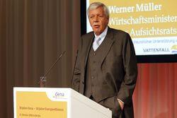 """Werner Müller beim Festakt """"10 Jahre dena ? 10 Jahre Energieeffizienz"""" 2010 in Berlin (Bild: dena)"""