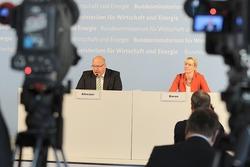 Bundeswirtschaftsminister Peter Altmaier verkündet die Gewinner des Ideenwettbewerbs 'Reallabore der Energiewende' (Bild: BMWi/Susanne Eriksson)
