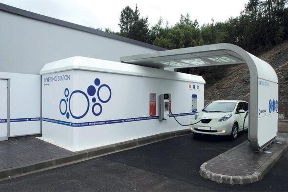 Ormazabal hat in seinem Hochleistungslabor in Spanien eine eigene E-Tankstelle für Forschungszweckeeingerichtet. Innovative Lösungen für die Ladeinfrastruktur sindhier Teil der kontinuierlichen Forschungsarbeit (Foto: Ormazabal GmbH)