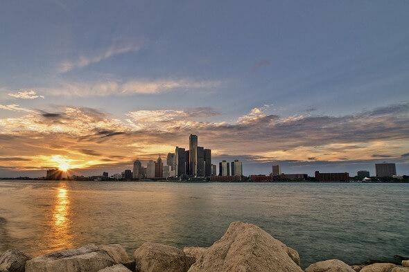Skyline von Detroit an der Großen Seenplatte in den USA (Bild: Pixabay)