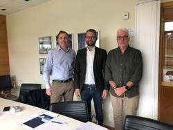 Peter Wesslau, CEO Rabbalshede Kraft AB, Linus Sturesson, Managing Director Deutsche Windtechnik AB, Lars Jacobsson, Operation manager Rabbalshede Kraft AB (von links nach rechts) (Bild: Deutsche Windtechnik)