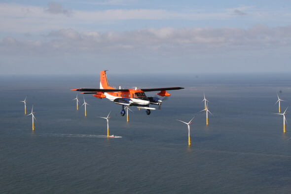 Forschungsflugzeug in geringer Flughöhe liefert hochaufgelöste meteorologische Daten (Bild: Mark Bitter, TU Braunschweig)