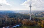 80 Besucher besichtigen Baustelle des Windparks Bad Arolsen-Landau