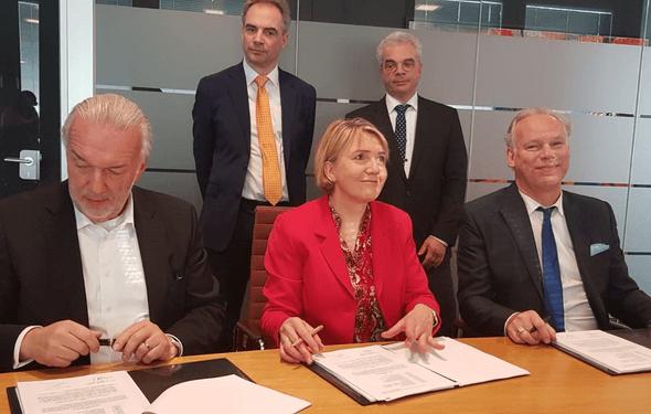 Unterzeichnung zum Gemeinsamen Haus der Erneubaren auf dem EUREF-Campus (Bild: BEE e.V.)