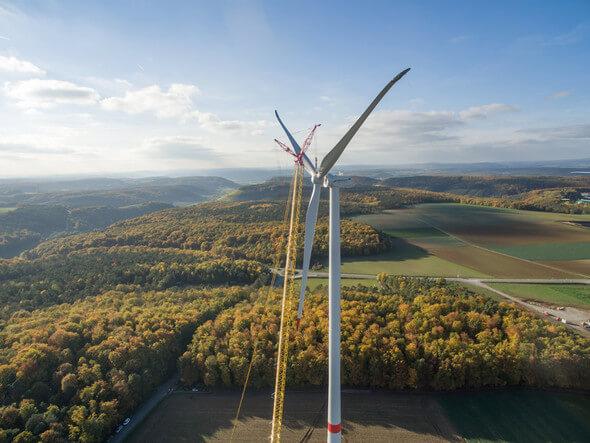 Der Bürgerwindpark Ramsthal ist eines der Lieferantenkraftwerke für die Regionalstromprodukte. (Foto: NATURSTROM AG)