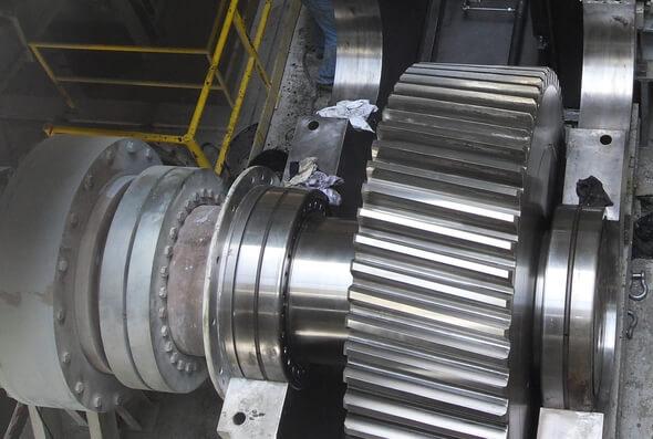 Blick ins Getriebe einer Zementmühle (Alle Bilder: GfM)