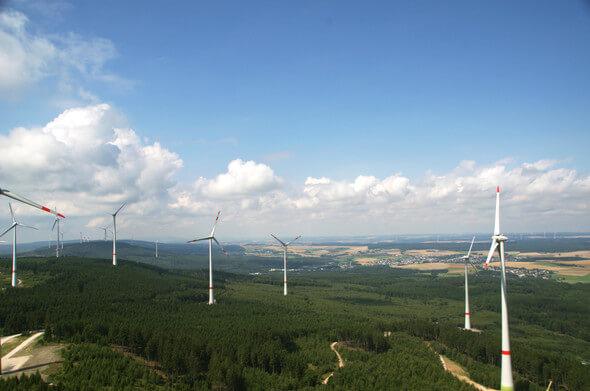 THEE erweitert ihr Erzeugungsportfolio. Im Bild Bestands-Windpark Kandrich (Bild: Schulte / THEE)