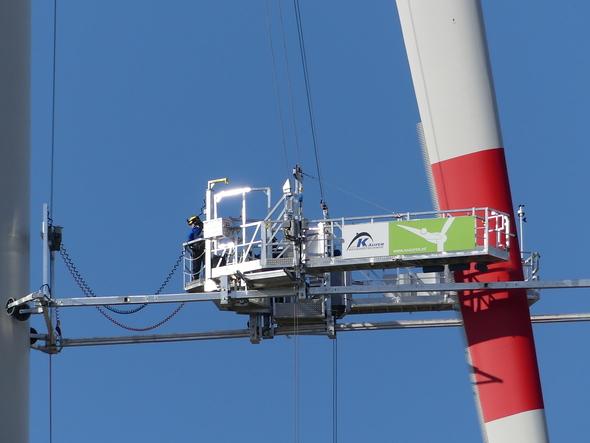 TÜV Rheinland hat die neue Befahranlage K-BP-4 im März 2020 bei einem Windpark in Paderborn zertifiziert (Bild: Käufer Befahrtechnik)