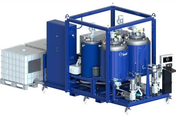 Covestro Elastomers hat diese spezielle Baulé Maschine für die Verarbeitung seines Hochleistungs-Polyurethanharzes zu Rotorblättern entwickelt (Bild: Covestro)