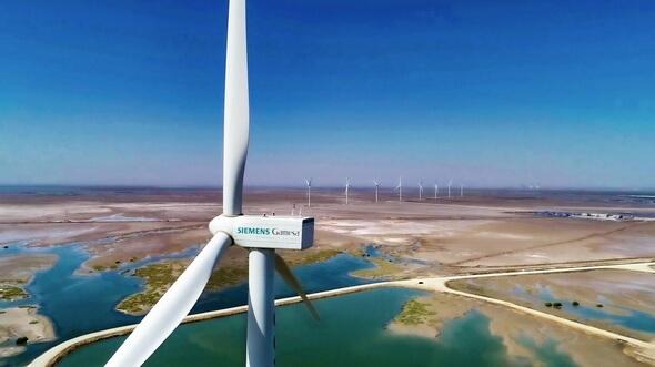 Das erste 50-MW-Projekt von Siemens Gamesa in einem Gezeitengebiet erzeugt seit März 2019 sauberen Strom in Gharo in der Nähe von Karatschi, Pakistan (Bild: Siemens Gamesa)