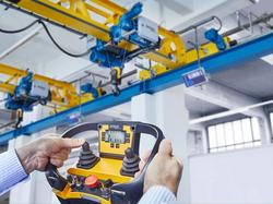42132_4_ Demag DRC-JT and DRC-JT(S) enable the intuitive control of complex crane operating processes. (Image: Demag)