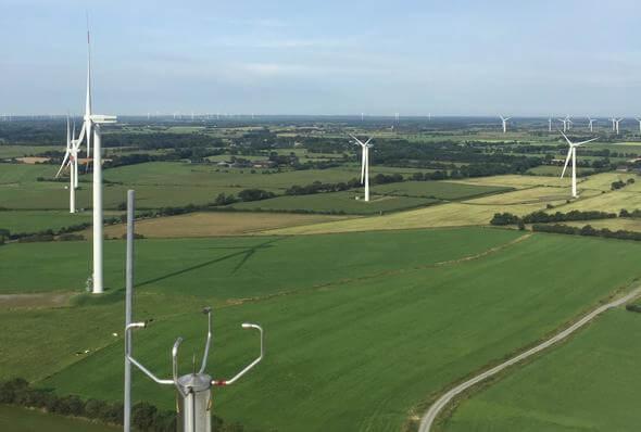 Mit der Vertragsunterzeichnung für das BNK System © Parasol im Windpark Blye bei Großenwiehe steigen die Chancen auf größere Synergien für weitere Windparks im Norden Schleswig-Holsteins (Bild: Parasol GmbH & Co.KG)