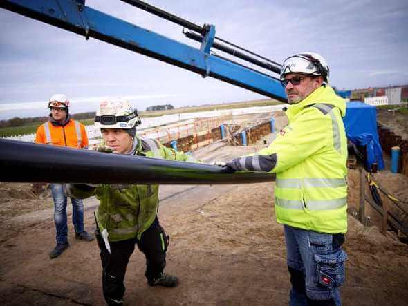 Das Projekt Ostwind 2 liegt gut im Plan. Jetzt startete der Seileinzug an der Anlandestelle bei Lubmin (Bild: Jan Pauls)