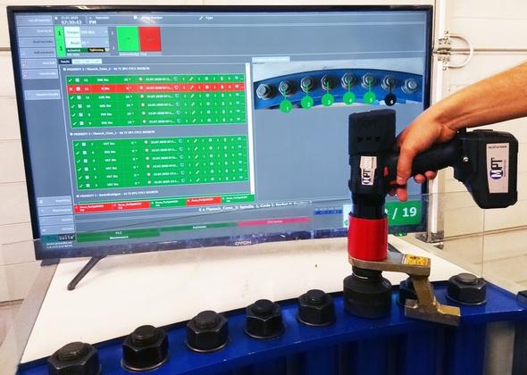 Verschraubung im Werkerleitsystem ProTight™ mit Akkuschrauber MAD 20 (Bild: M-PT)