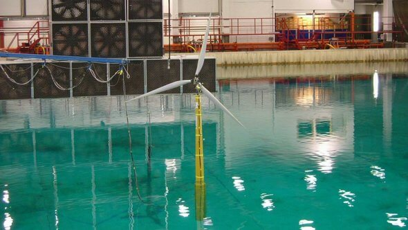 Testing of the Hywind concept at SINTEF in 2005 (Image: Peder Songedal/Equinor)