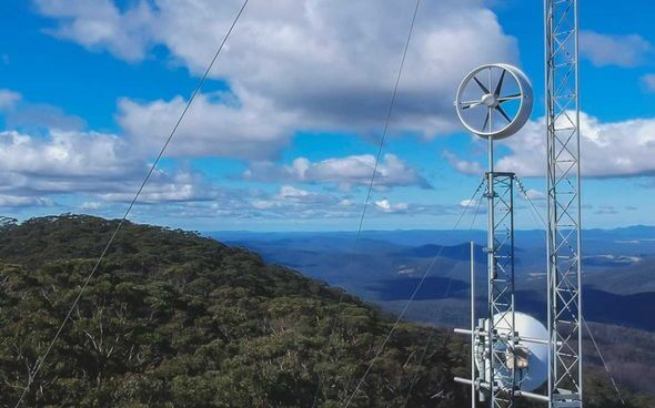 The Hyland 920 turbine powering a communications tower (Image: Diffuse Energy)