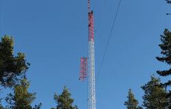 Aufbau des Windmessmasts in Laitila (Bild: Abo Wind)
