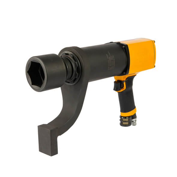 Der neue Druckluft-Hochmomentschrauber RTP 4100C von Atlas Copco Tools leistet bis zu 4100 Newtonmeter Drehmoment und eignet sich für Schraubverbindungen von etwa M35 bis M45. (Bild: Atlas Copco Tools)
