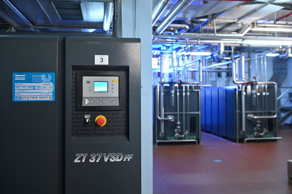 Atlas Copco setzte 2020 in einem schwierigen Jahr mit Kompressoren (im Bild eine Druckluftstation), Vakuumtechnik, Werkzeugen und Montagelösungen sowie Ausrüstung der Power Technique rund 10 Mrd. Euro um (Bild: Atlas Copco)