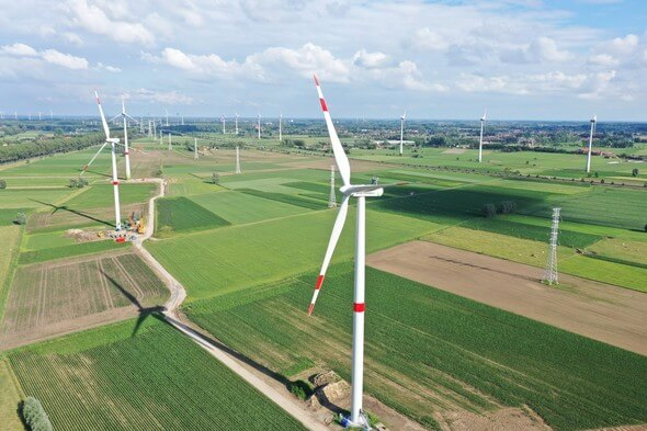 The green electricity for Covestro comes from four onshore wind farms operated by ENGIE. One of them can be seen here (Image: ENGIE)