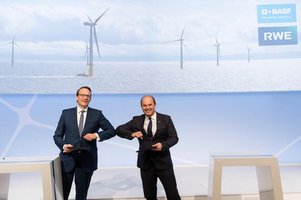 Die CEOs von RWE und BASF, Dr. Markus Krebber und Dr. Martin Brudermüller (Bild: BASF)