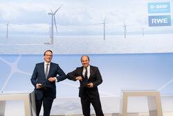 The CEOs of RWE and BASF, Dr. Markus Krebber and Dr. Martin Brudermüller (Image: BASF)