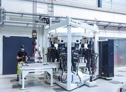 Das Hexapoddesign ermöglicht das Erzeugen von rotorblatttypischen Belastungen und Betriebsbedingungen (Foto: Fraunhofer IWES/Ulrich Perrey)