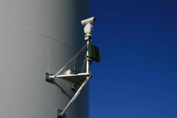 Beispiel eines Kollisionsschutzsystems (Bild: FEFA Wind via HNEE)