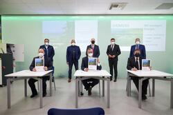 Unterzeichnung der Absichtserklärung, einen größten Energiespeicher Europas in Wunsiedel zu errichten (Bild: Siemens)