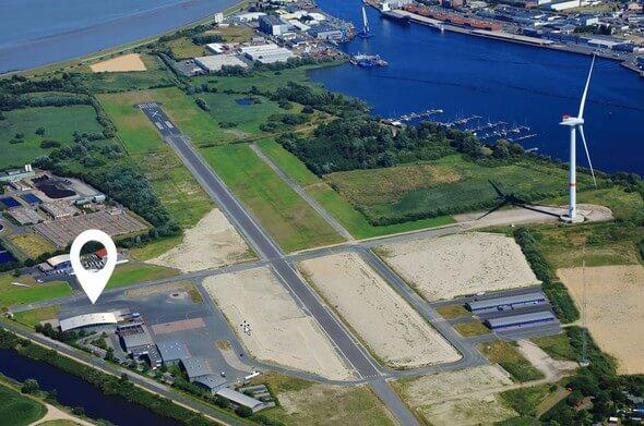 Standort Hydrogen Lab Bremerhaven auf dem ehemaligen Flugplatz Luneort (Bild: Fraunhofer IWES/Peter Sondermann City-Luftbilder))