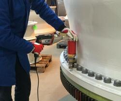 Mit dem Winkelgetriebe des MV-RAD 90° können schwer zugängliche Schraubstellen erreicht werden (Bild: M-PT)
