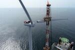 EIB backs Ørsted with €500 million loan agreement, boosts green energy