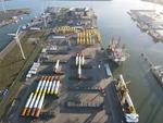 Buss Terminal Eemshaven schließt Umschlag und Verladung von Fundamenten für Windpark-Projekt